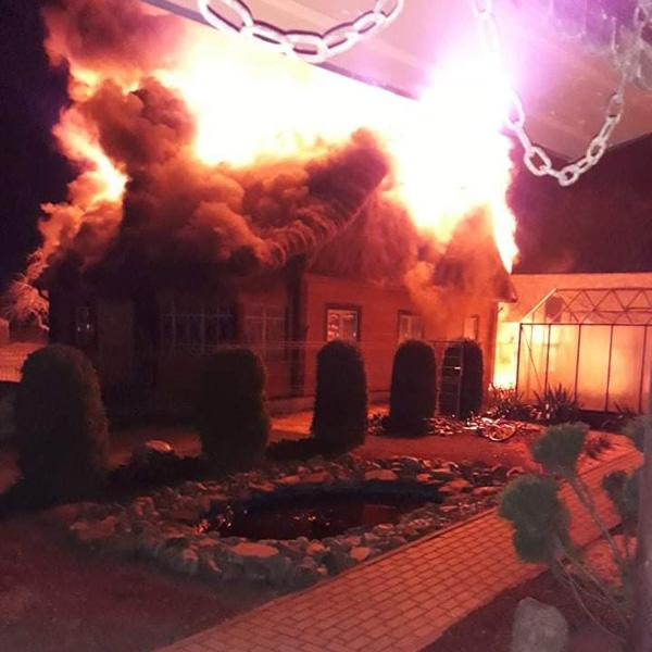 Šeimos namą pasiglemžė gaisras.